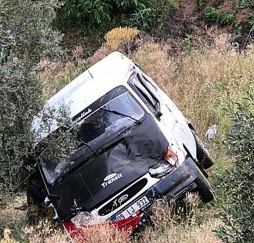 Aydın'da minibüs uçuruma yuvarlandı: 10 yaralı