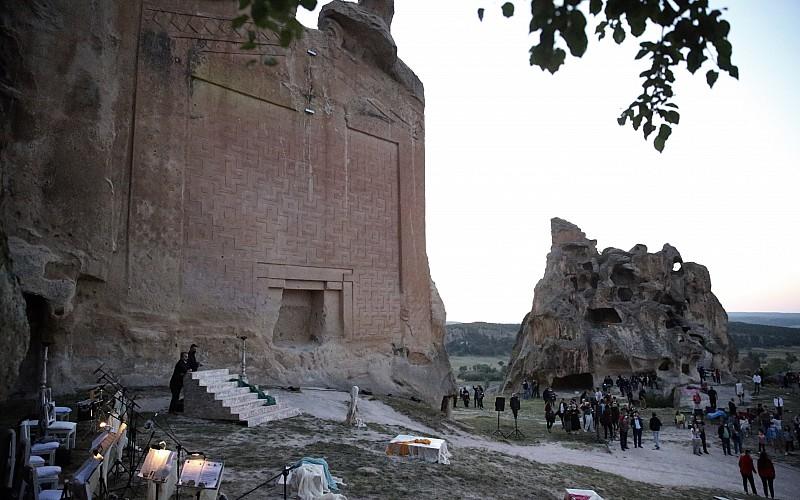 """Eskişehir'de """"Kybele"""" adlı oyunun prömiyeri yapıldı"""