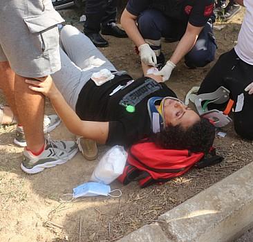 Adana'da otomobil ile motosikletin çarpışması sonucu 2 kişi yaralandı