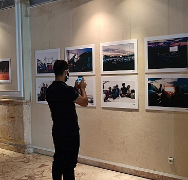 Adana'da sinema konulu fotoğraf sergisi açıldı