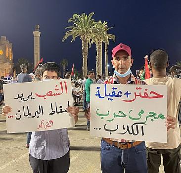 Libyalılar, Temsilciler Meclisinin hükümetten güvenoyunu geri çekme kararını protesto etti