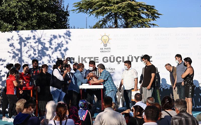 AK Parti Kadıköy İlçe Başkanlığından bilek güreşi yarışması