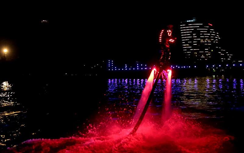 5. Uluslararası Adana Lezzet Festivali'nde lazer ve havai fişek gösterisi