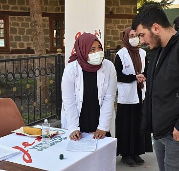 Yeryüzü doktorları, Kars'ta meme kanseri konusunda vatandaşları bilgilendirdi