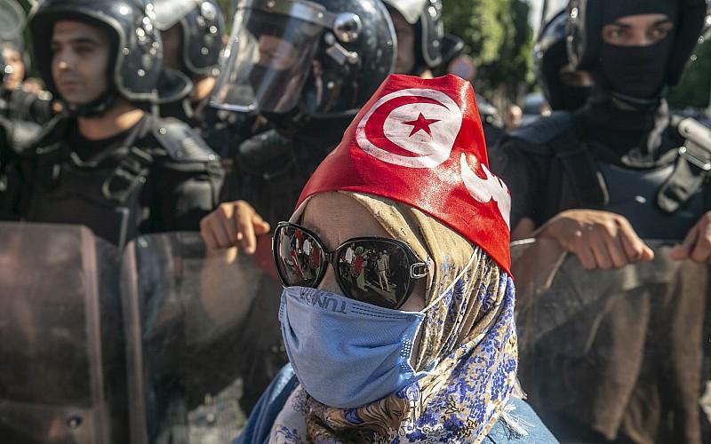 "Tunus'ta Cumhurbaşkanı Kays Said'in ""olağanüstü yetki kararları"" protesto ediliyor"