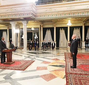 GRAFİKLİ - Tunus'ta yeni hükümet görevine başladı