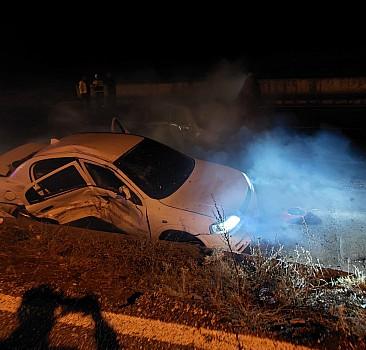 Uşak'taki trafik kazasında 2 kişi öldü, 3 kişi yaralandı