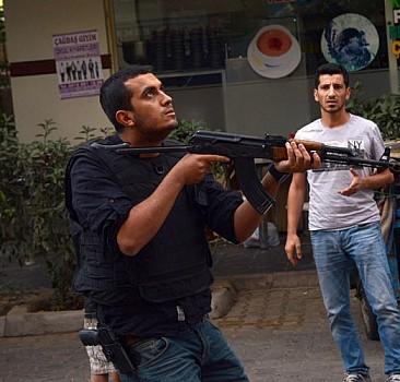 Diyarbakır'da çorbacı tarandı: 1 vatandaş öldü, 3 polis yaralı