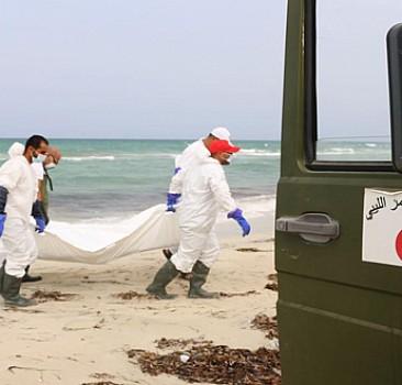 85 göçmen cesedi sahile vurdu