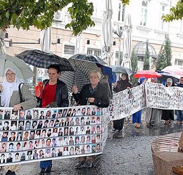 Bosna Hersek Srebrenitsa için yürüdü