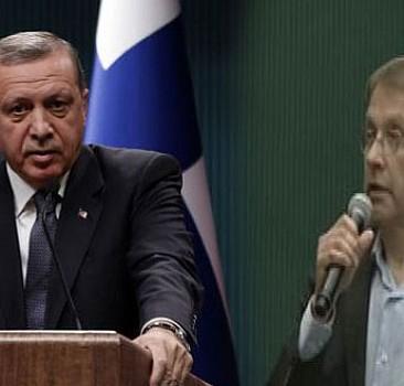 'Diktatör müsünüz' diyen gazeteci 'görevli' çıktı