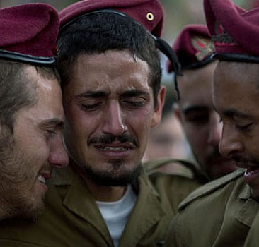 İsrailliler yanlışlıkla Yahudi bıçakladı