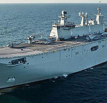 Türkiye'nin en büyük askeri gemisi denize iniyor