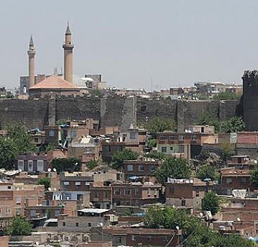 PKK tarihi yapıları mahvediyor