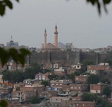 Diyarbakır'da turizme terör darbesi