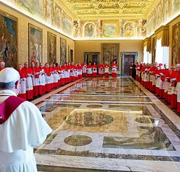 Vatikan'da köstebek skandalı!