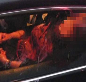 İzmit'te bir kişi seyir halindeki araçta annesini öldürdü