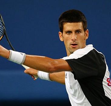 Kortların 'efendisi' Djokovic