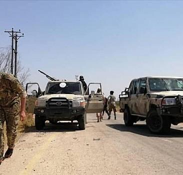 AA Hafter milislerinden kurtarılan Trablus Havalimanı'nı görüntüledi