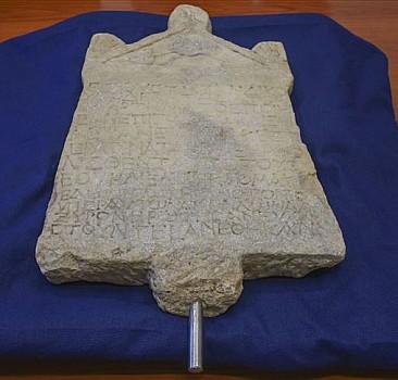 1800 yıllık yazıtın Türkiye'ye getirilmesi ısrarlı çabanın ürünü