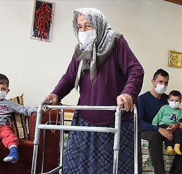 90 yaşında Kovid-19'u yenen Fati nine: Bu yaşıma geldim böyle hastalık, böyle ağrı görmedim